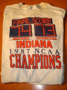 Official T-shirt 1987 NCAA Men's Basketball Champions The Hoosiers from Indiana University (Coach Bob Knight) - Final Score Hoosiers 74 - 73 Syracuse Orangmen (Coach Jim Boeheim 2