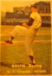 Original Baseball Card 1957 Topps New York Yankees P Ralph Terry