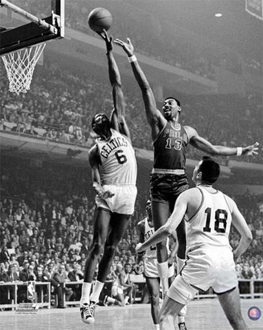 NBA – 1959 To 1973 – Hilton Hotels NBA Classic Competitions – Wilt  Chamberlain Vs Bill Russell b6e6d88a3