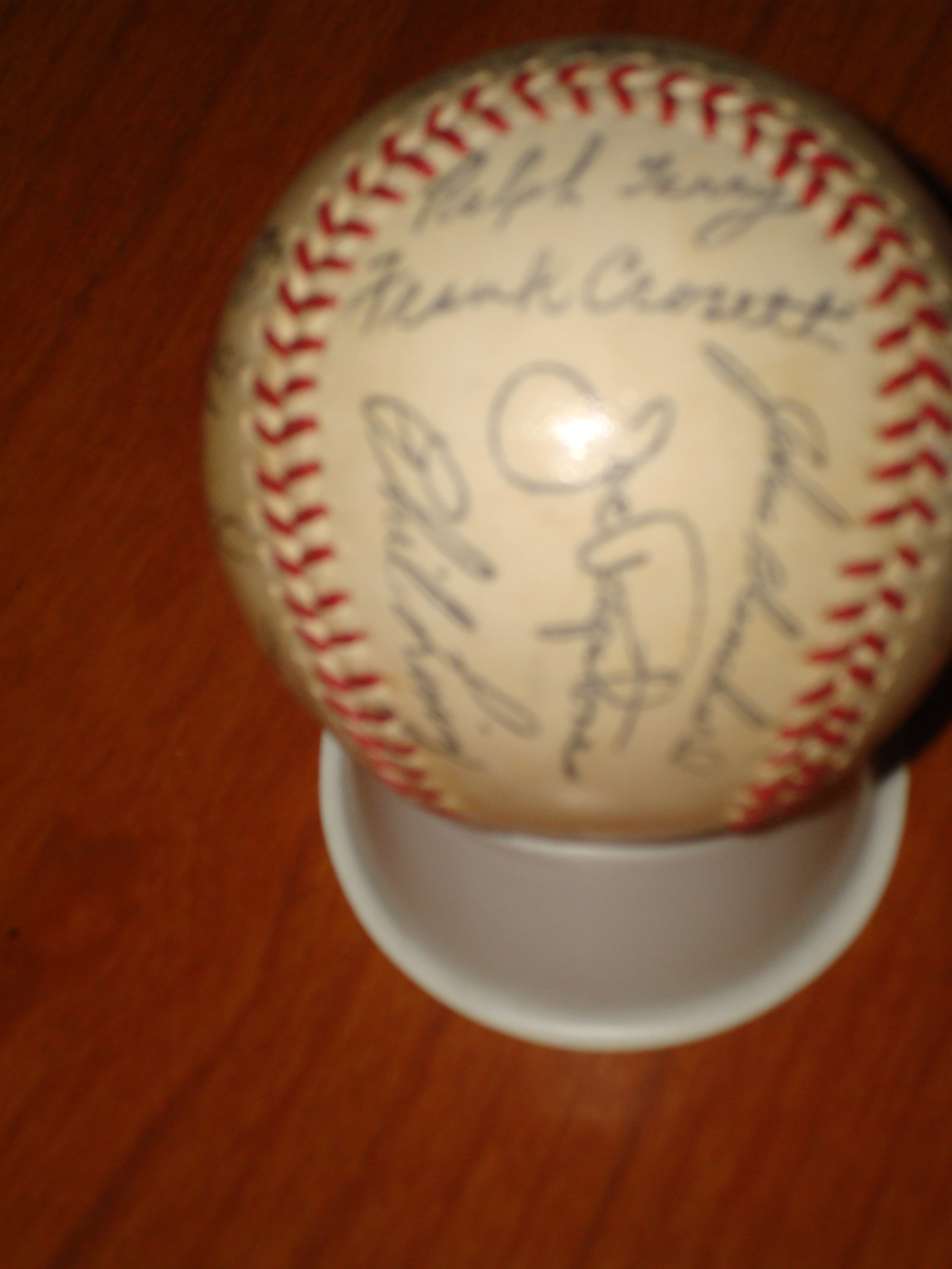 Official Autograph Team Ball 1962 World Champion New York Yankees featuring Ralph Terry, Joe Pepitone, Frankie Crossetti, Phil Linz