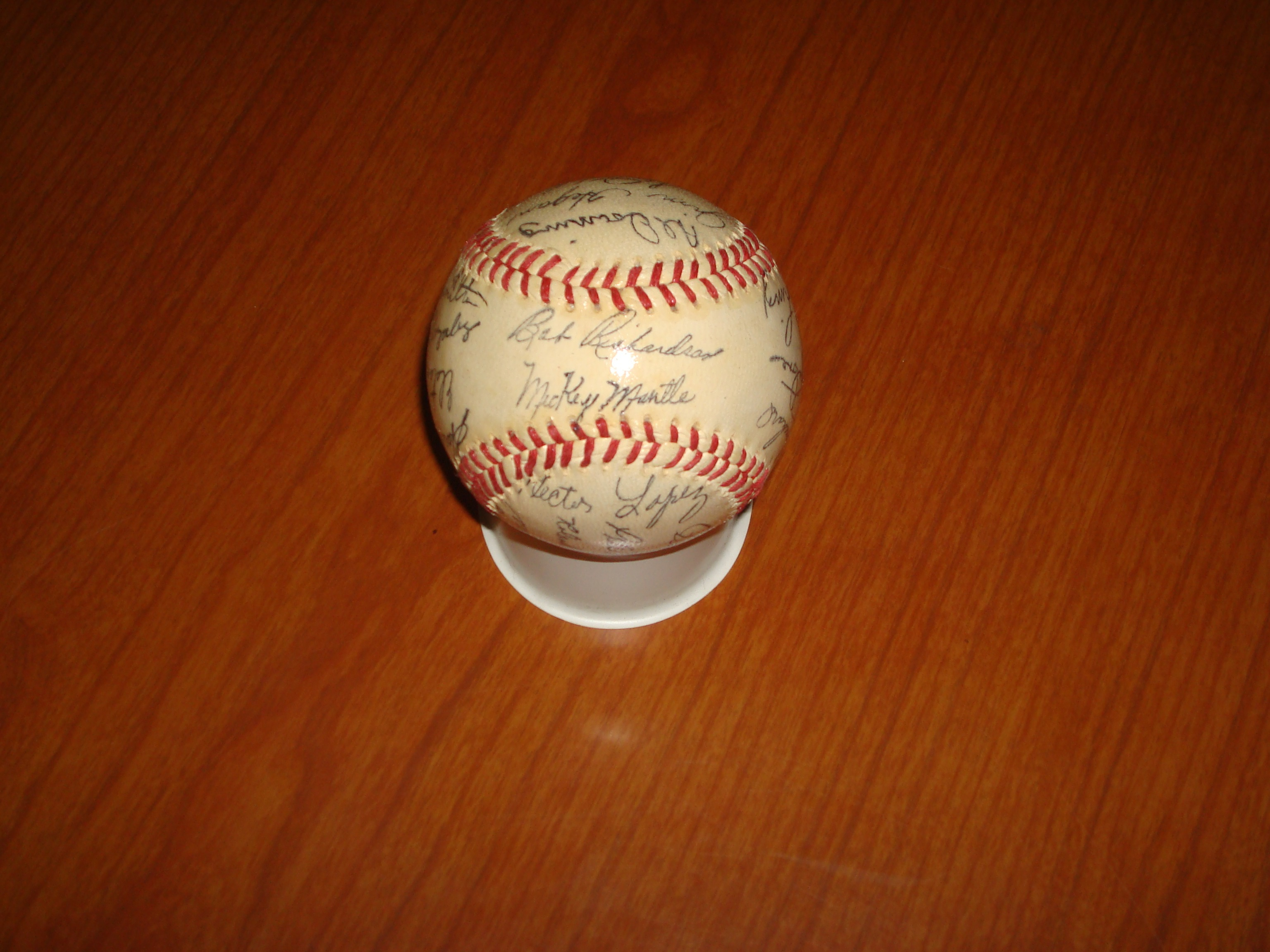 Official Autograph Tem Ball for 1962 MLB World Champion New York Yankees featuring Bobby Richardson, Hector Lopez, Al Downing & Mickey Mantle