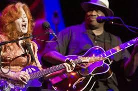 Bonnie Rait & Taj Mahal Live At Rome Inn Austin, Texas