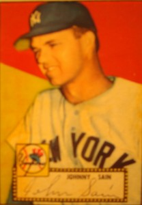 Original Baseball Card 1952 Topps New York Yankees P Johnny Sain