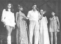 Photo of Comedian Bob Hope with Danny Kaye, Debbie Reynolds, Marilyn Monroe & Rachel Welch