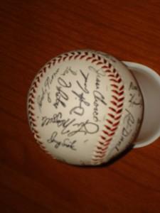 MLB - Official 1986 World Champion New York Mets Autograph Team Ball featuring Dwight Gooden, Jesse Orosco, Doug Sisk