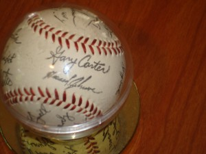 MLB - Official Autograph Ball of 1986 World Champ New York Mets Team - Gary Carter & Gerald Johnson
