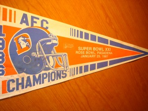 NFL - Official Pennant 1986 Super Bowl XXI from the Rose Bowl, Pasadena, CA featuring Denver Broncos vs New York Giants