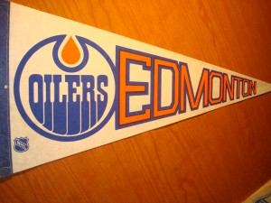 NHL - Official Pennant 1984 Stanley Cup Champions Edmonton Oilers coached by Glen Sather and captained by Wayne Gretzky