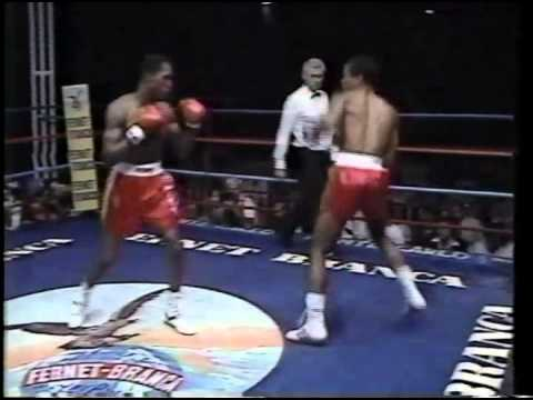 Photo of Boxing – 10 Rnd Jr Middlewt Bout – Davey Moore vs Wilfredo Benetiz