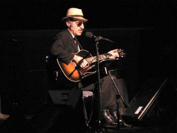 Photo of Leon Redbone at ACL sings Big Fat Mule to Ride & Champagne Charlie & Diddy Wa Diddy imasportsphile