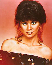 Photo of Linda Ronstadt – Can't Let Go & I Give You Anything & It's So Easy To Fall In Love