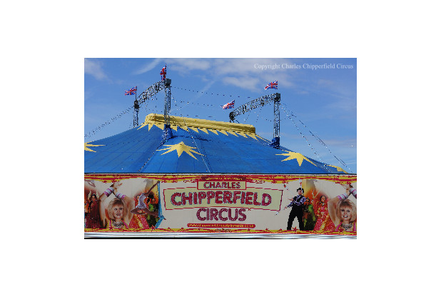 Photo of Special – The Chipperfields Circus – High Wire Act – Host Zero Mostel