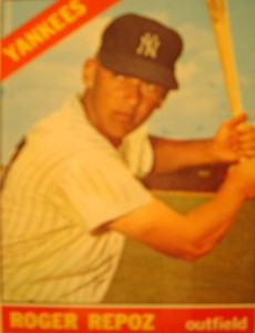 MLB - Original Basebal Card 1966 New York Yankees OF Roger Repoz