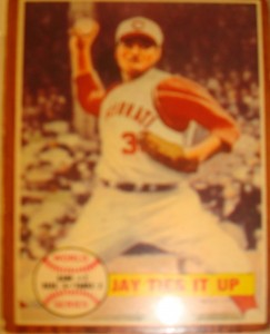 MLB - Original Baseball Card 1961 Cincinnati Reds P John Jay on way to Game 2 WS win.