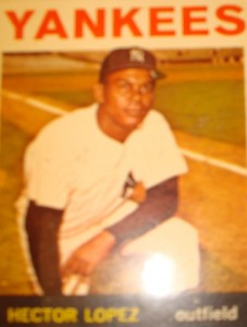 MLB - Original Baseball Card 1964 New York Yankees OF Hector Lopez
