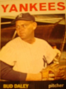 MLB - Original Baseball Card 1964 New York Yankees P Bud Daley