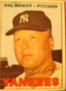 MLB - Original Baseball Card 1967 New York Yankees P Hal Reniff