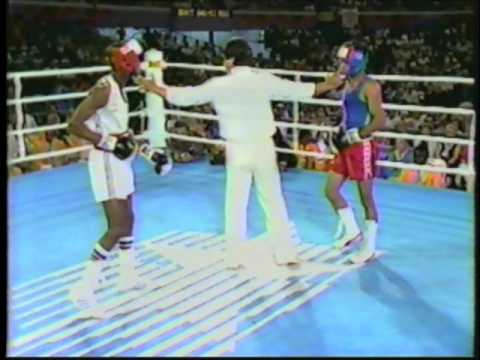 Photo of Olympics – 1984 Los Angeles – Boxing – Flywts – USA Steve McCrory VS MAW Peter Ayesu