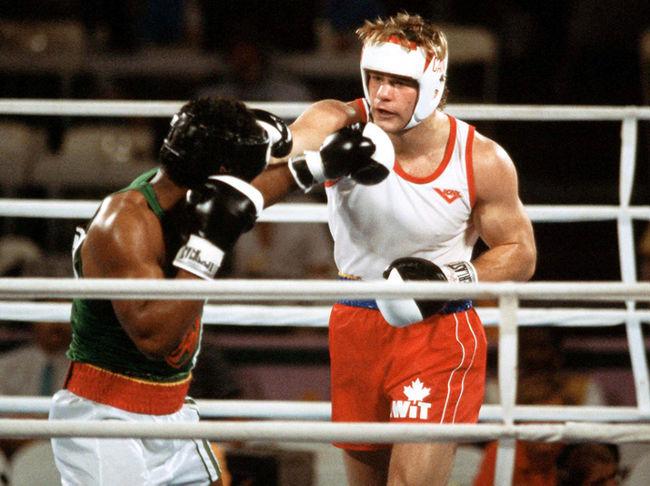 Photo of Olympics – 1984 Los Angeles – Boxing – Heavywts – CAN Willie deWitt VS UGA Dodovic Owiny