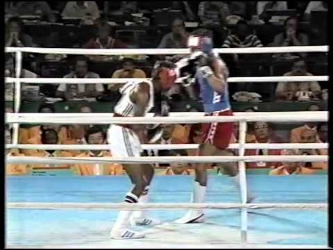Photo of Olympics – 1984 Los Angeles – Boxing – Flywts – USA Steve McCrory VS MAW Peter Ayesu