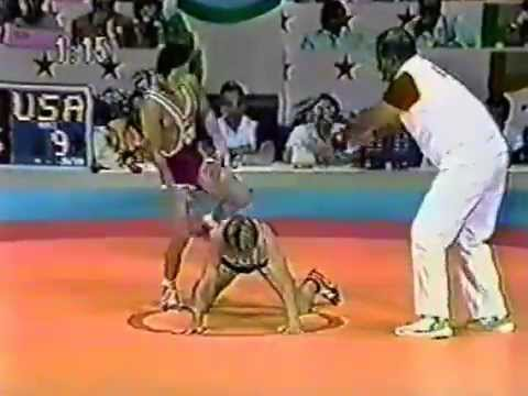 Photo of Olympics – 1984 Los Angeles – Wrestling – 48 kg Freestyle – USA Bobby Weaver VS FGR Reiner Heugabel