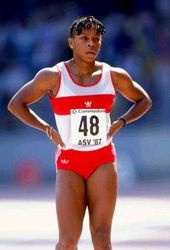 Photo of Olympics – 1984 Los Angeles – Track – Womens 100m – Heat 2 – USA Alice Brown