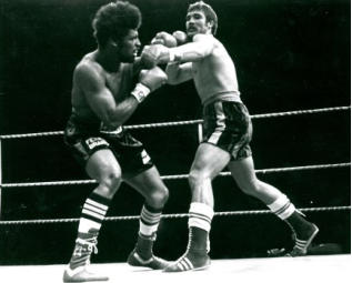 Photo of Boxing – Elimination Heavyweight Title – Gerrie Coetzee VS Leon Spinks
