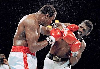 Photo of Boxing – IBF Heavywt Championship – Champ Larry Holmes VS Michael Spinks – Fight 1