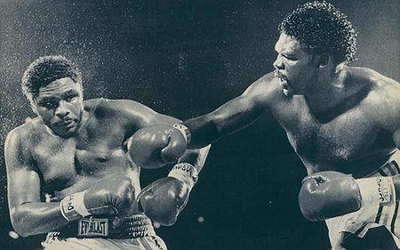 "Photo of Boxing – WBA Heavyweight Championship – Champ Greg Page VS Tony ""TNT"" Tubbs"