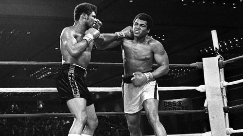 Photo of Boxing – Heavyweight Title – Muhammad Ali vs Leon Spinks – Fight 1 Round 15