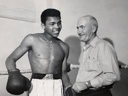 Photo of Boxing – Heavyweight Champions – Muhammad Ali – Bob Dylan Sings Forever Young To Ali Highlights
