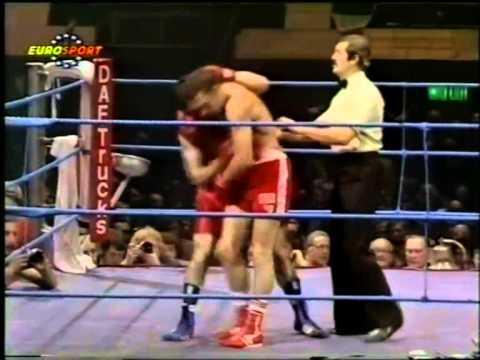 Photo of Boxing – Middleweight Title – Champ Hugo Corro VS Vito Antuofermo