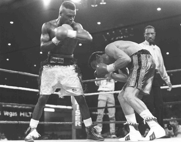 Photo of Boxing – Junior Welterweight Fight – Irleis Perez vs Meldrick Taylor