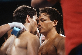 Photo of Boxing – 1987 IBF Lightweight Title – Champ Greg Haugen VS Vinny Pazienza