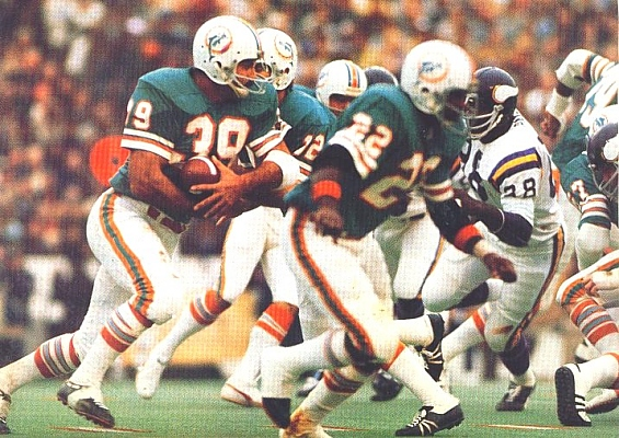 Photo of NFL – Special – Men Who Played The Game – Miami Dolphins RB Larry Czonka