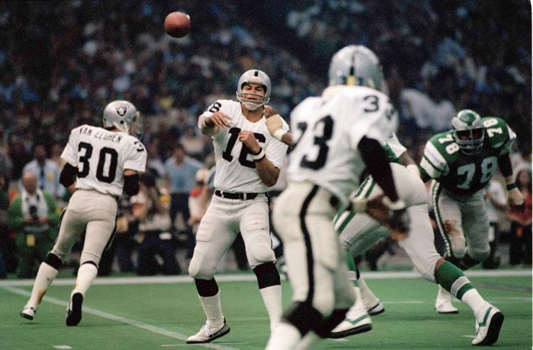 Photo of NFL – 1981 – Super Bowl XV – Oakland Raiders VS Philadelphia Eagles – NBC Pre-Game & 4th Quarter