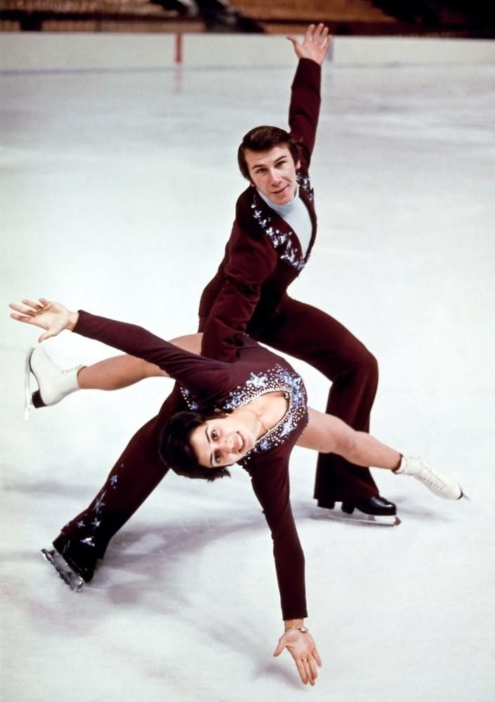 Photo of Olympics – 1980 Lake Placid Winter Games – Figure Skating Pair – Host Jim McKay & Dick Buttons