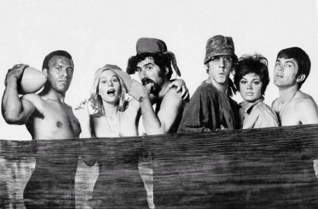 Photo of Movie – M A S H – Elliot Gould & Donald Sutherland & Robt Duvall & Gary Burghoff & Sally Kellerman