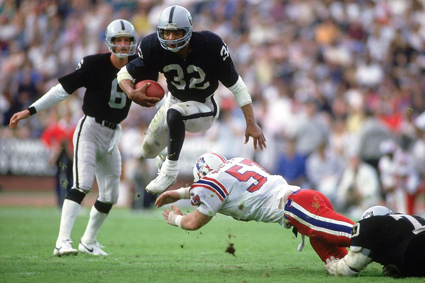 Photo of NFL – 1985 – AFC Divisional Playoffs – Los Angeles Raiders Vs New England Patriots – 4th Qtr