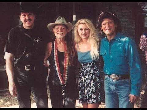 Photo of Music – 1978 – Austin City Limits – Johnny Rodriquez + Willie Nelson – Jambalaya