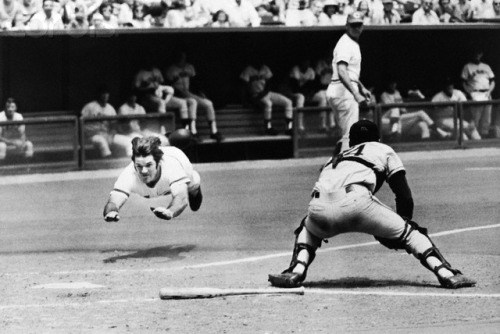 Photo of MLB – 1981 – CNN Sports Special – Pete Rose Assault Of Ty Cobbs Hits Record