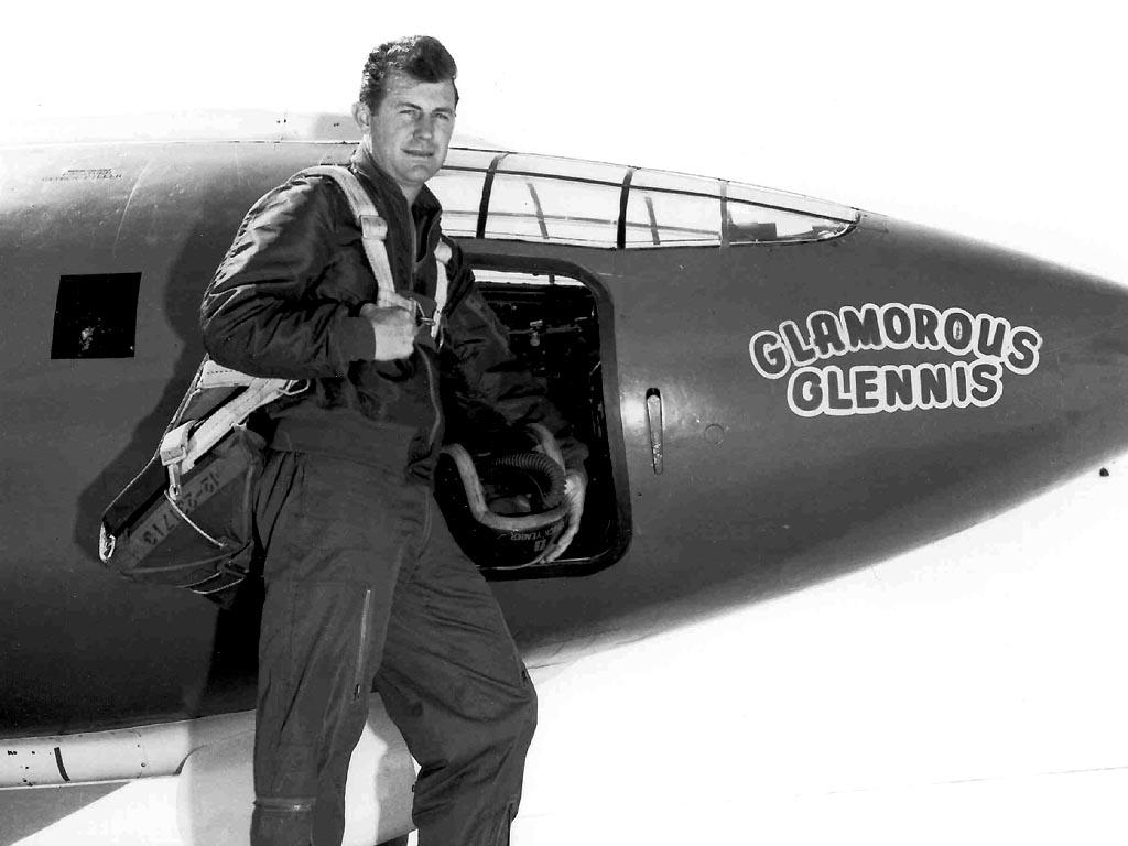 Photo of News – October 14th 1947 – Test Pilot Chuck Yeagar Breaks Sound Barrier For The 1st Time In The X1