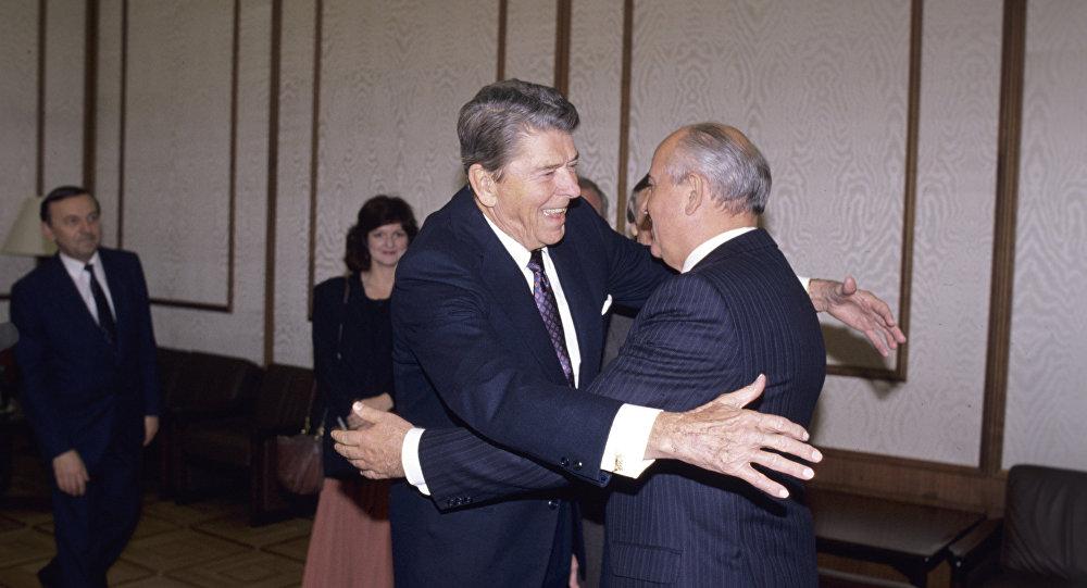 Photo of News – 1986 – KVUE Ch 24 Austin NewsBrief – On Summit Between USA President Reagan + USSR Gorbachov