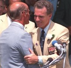Photo of NFL – 1985 – Hall Of Fame Class – With Joe Namath + Pete Roselle + OJ Simpson + Roger Staubach