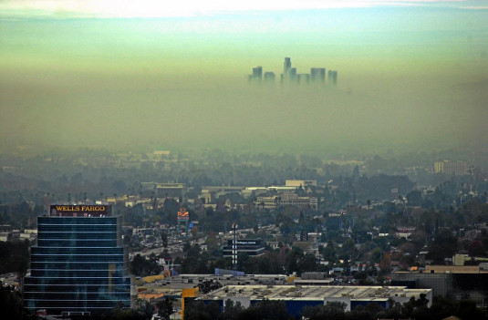 Photo of Olympics – 1984 – L A Games Special – ABCs Frank Gifford Reports On The Effect Of Smog At The Games