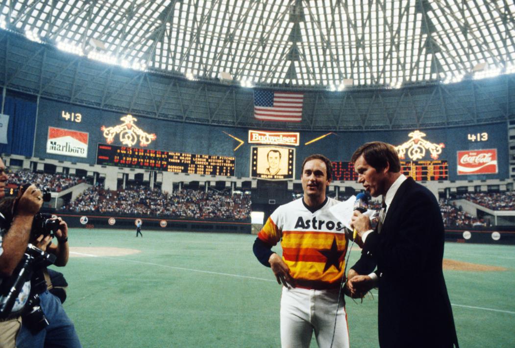 Photo of MLB – 1986 – ESPNs Chris Berman + George Grande Host Season Hilites Put To Bob Segers Like A Rock