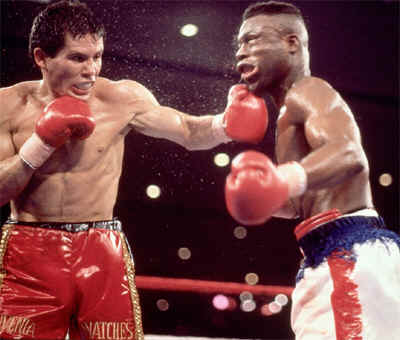 Photo of Boxing – 1985 – HBOs  Larry Merchant Showcases The Career Of WBC Featherwt  Champ Julio Cesar Chavez