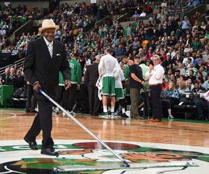 Photo of NBA – 1987 – James Brown Interview Boston Garden Carpenter Paul Dembickt On  Parquet Floor Condition