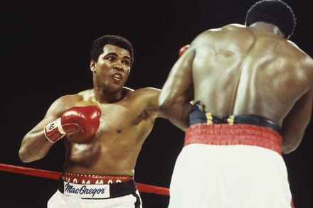 Photo of Boxing – 1981 – Davey Pearl Interviews Trevor Berbick After Defeating Muhammad Ali + Fight Recap