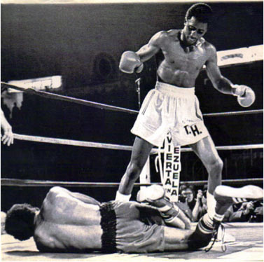Photo of Boxing – 1980 – Highlights – USBA Welterweight Title Fight – Angel Espada Vs Thomas Hearns – By Howard Cosell